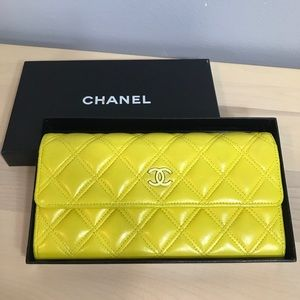 Host pick♥️♥️♥️ Authentic Chanel Lambskin wallet